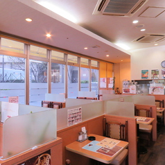 ASSIST アシスト 阪急三国駅前店の雰囲気1