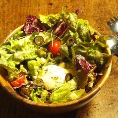 料理メニュー写真オウチーザーサラダ