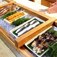 常時50種以上。魚屋直営の新鮮で旬なネタ