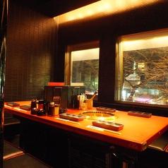 夜景見えるテーブル席はすぐに埋まってしまいますのでご予約がオススメです。