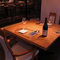 2名様用テーブル席。
