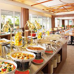 ホテル阪急エキスポパーク バイキングレストラン ヴェルデの雰囲気1
