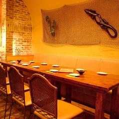 個室スペースもございます!開放的な温かみのある癒し空間でゆったり美味しい料理をお楽しみいただけます♪豊富なコースをご用意しておりますのでお客様のお好みに合わせて、各種ご宴会などにご利用くださいませ!!