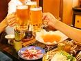 6名様以上のコースご利用でお一人様+2000円にて飲み放題をお付けできます。厳選食材とご一緒にお楽しみ下さい。
