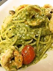 海老と茸の寝屋川産大葉のジェノベーゼ スパゲッティ