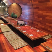 6名様の掘りごたつ式お座敷席です。3テーブルありますので連結させれば18名様の宴会仕様にもなります。※フロアより少し高い位置にあります。