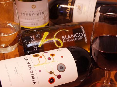 気軽に立ち寄れる立ち飲みバル【yブランコ】種類豊富なワインをご用意☆