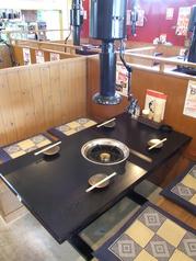 会社帰りのお食事にも最適なテーブル席