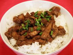 魯肉飯(ろーばーぷん)/クコの実・白木耳・ザーサイのスープ/切干大根の炒飯
