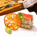 料理メニュー写真ズワイガニとフレッシュトマトのミルフィーユ