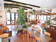 ブラーノ Burano 花と緑のレストランの雰囲気1
