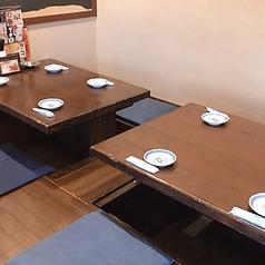 4名様用の掘りごたつ席(2卓を繋げて使用することも可能)