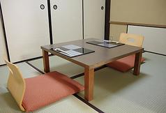 2F 二名様用個室 お二人でゆっくりお食事を楽しめます。