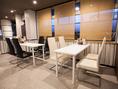 テーブル席 4名掛×2席