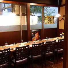 会社やご友人との飲み会に最大70名様までご利用いただける個室ございます。