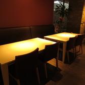 4名様用テーブル席。
