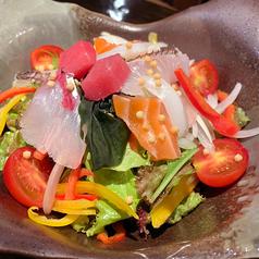 ちりめんと大根の梅しそサラダ/海鮮たっぷり、海の幸のサラダ
