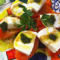 料理メニュー写真カプレーゼ(モッツァレラチーズとトマトのサラダ)