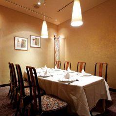 『敦煌』 とんこう。周りを気にせず一流の中華料理を楽しみたい方に。歴史ある中国飯店の一流のサービスを堪能してください。