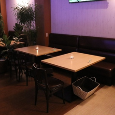 4名様のテーブル席です。※同タイプが2テーブルあります。※同タイプの2名様席が2テーブルあります。