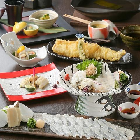 絶品穴子料理の数々を10種類以上の日本酒とお愉しみください。