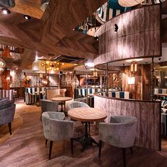 DiningCafe&Bar East-142 池袋東口店の雰囲気1