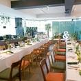 結婚式や同窓会、イベント各種に最適!テーブルは自由にレイアウト変更可能。さらに結婚式向けに高砂もご用意させて頂きます★平日、日曜祝日は30名様、金曜40名様、土曜50名様より貸切可能です!