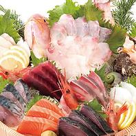 市場から直送の新鮮魚介類