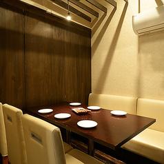 ソファータイプのテーブル個室もご用意。