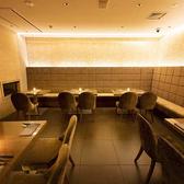 レストランフロアを貸切★レストランフロアで本格イタリアンや本格フレンチなども楽しむ事ができます。高級食材を使った料理が多数ございますのでご予約はぜひお早めにお願い致します。オープンフロアを貸切にして楽しむのも良し!ゆったりとソファータイプでご利用できます。