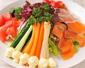 料理メニュー写真野菜たっぷり気まぐれサラダ
