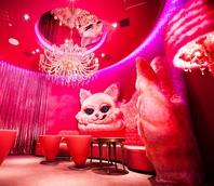 『PINK CAT ROOM』・・・ラグジュアリー個室&カラオケ