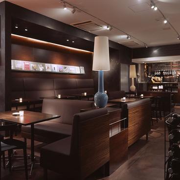 カフェ&ブックス ビブリオテーク cafe&books bibliotheque 天神店の雰囲気1