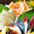 料理メニュー写真【市場直送の鮮魚】本日の鮮魚三種盛り