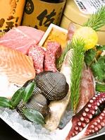 長浜魚市場直送の新鮮な魚介類を使用しています。