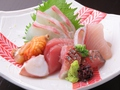 料理メニュー写真本日仕入れ鮮魚刺の盛り合わせ(1人前)