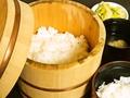 料理メニュー写真羽窯で炊いたご飯セット(赤出汁・お新香付き、一人前)