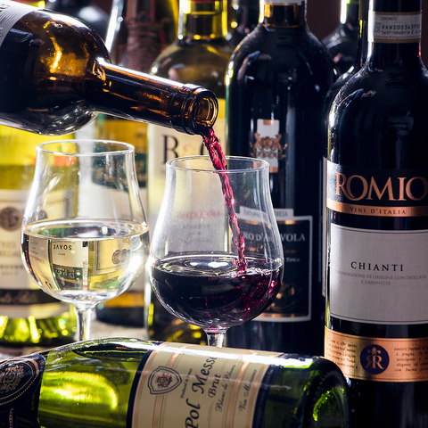 ワインや料理をリーズナブルに♪様々なシーンで愉しめる大衆ビストロ