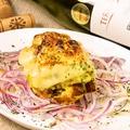 料理メニュー写真炙りチーズのポテトサラダ