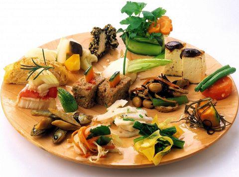 野菜たっぷり、体に優しい自然食が食べ放題☆