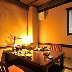 2名~4名様までご利用いただける完全個室です。接待・会食・女子会、デートなど、大切な方とのひとときに最適です。
