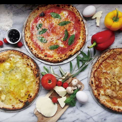 窯焼きピッツァ 創作料理と美味しいお酒のお店 CAMA Kitchen