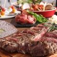 【名物料理をお得に】 塊肉で仕入れる、やわらかなヒレとサーロインが一度に楽しめるブラックアンガス牛のTボーンステーキを思う存分味わうことができる「T-BONEコース」7,000円(税抜)。ブイヤベースや生ハムも付いた充実の内容は、各種宴会やパーティーだけでなく、誕生日や記念日などの特別な日にもぴったりです。