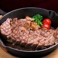 料理メニュー写真自家製厚切りローストビーフ