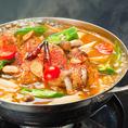 スープカレー鍋や激辛キムチ鍋など季節限定の鍋料理もURARAの魅力。