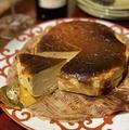 料理メニュー写真バスクチーズケーキ