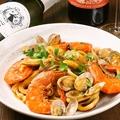 料理メニュー写真魚介たっぷり漁師風トマトパスタ