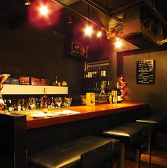 カップルシートのカウンター席はデートでのご利用はもちろん、一人飲み、ご友人同士の飲み会にも最適