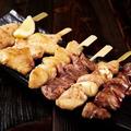 料理メニュー写真串焼き六種盛り合わせ