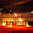 【2F VIPテーブル席】VIPのテーブル席では、ご接待などにもご利用いただけます。豪華な空間の中でお食事をお楽しみください。